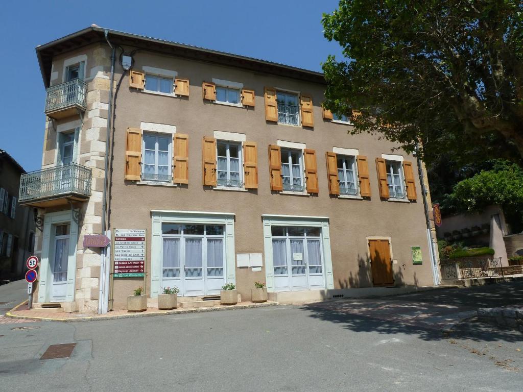 Apartments In Saint-amour-bellevue Burgundy
