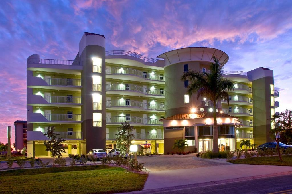 Crystal Palms Resort (USA St Pete Beach) - Booking.com