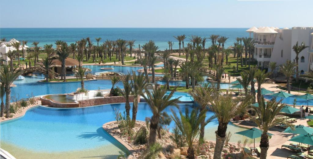 A view of the pool at Hasdrubal Prestige Djerba or nearby