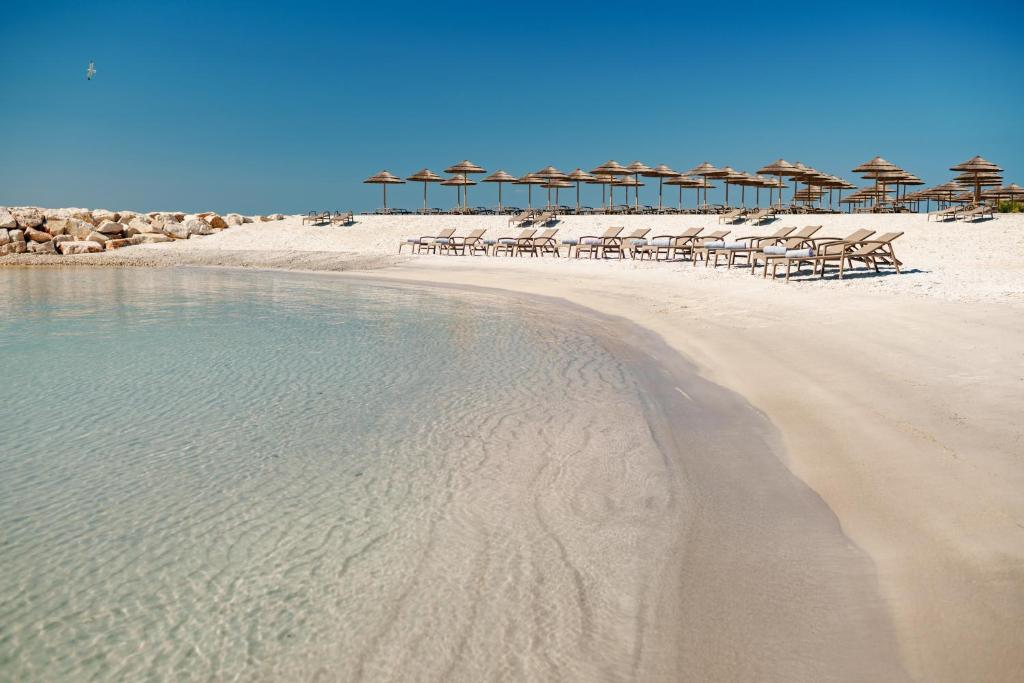 time Nikola beach