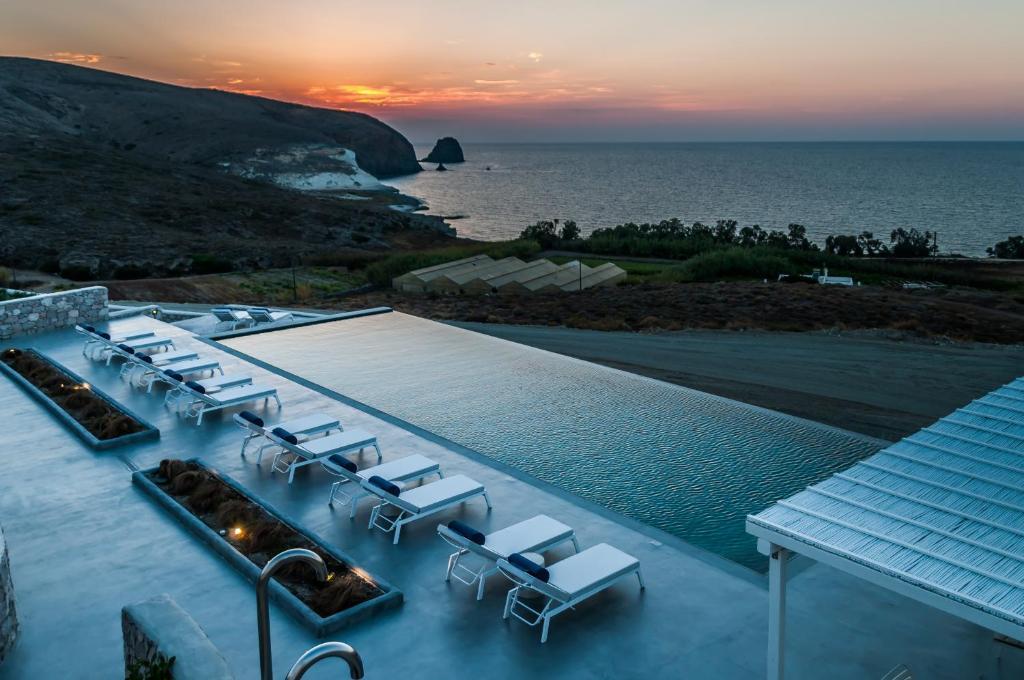 73927400 - Milos Breeze Boutique Hotel