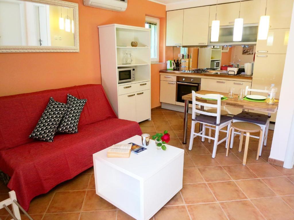 Poltrona letto gioia 70 poltrona letto mobili e accessori for Mobili e accessori per la casa