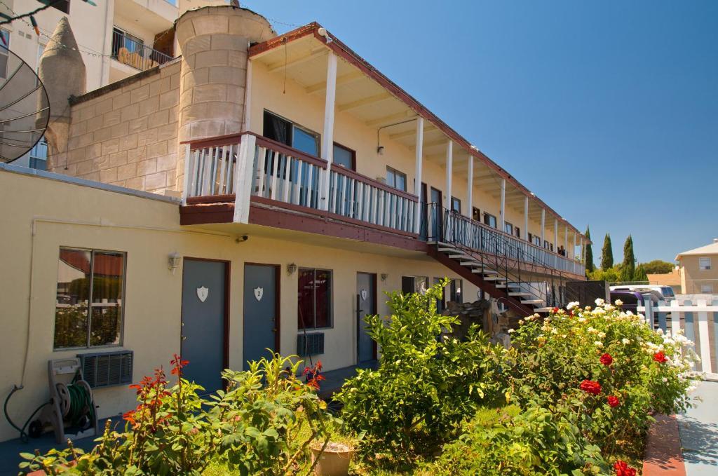 Good Knight Inn Motel, North Hills, CA - Booking.com on