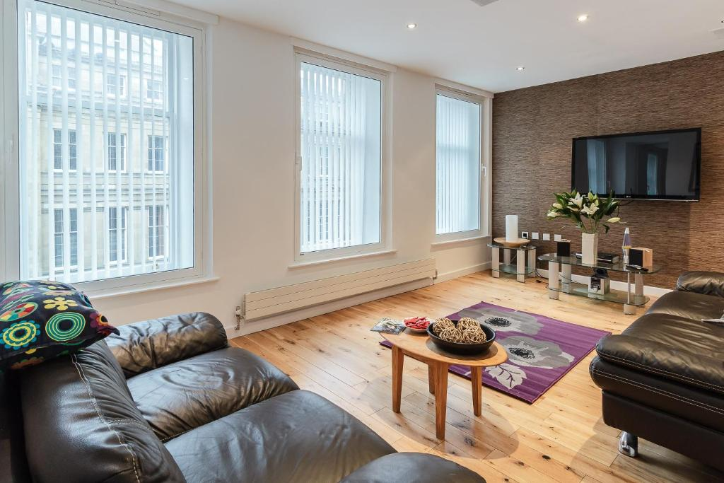 3 Bed Up Market Penthouse Apartment On Grey Street Newcastle Upon