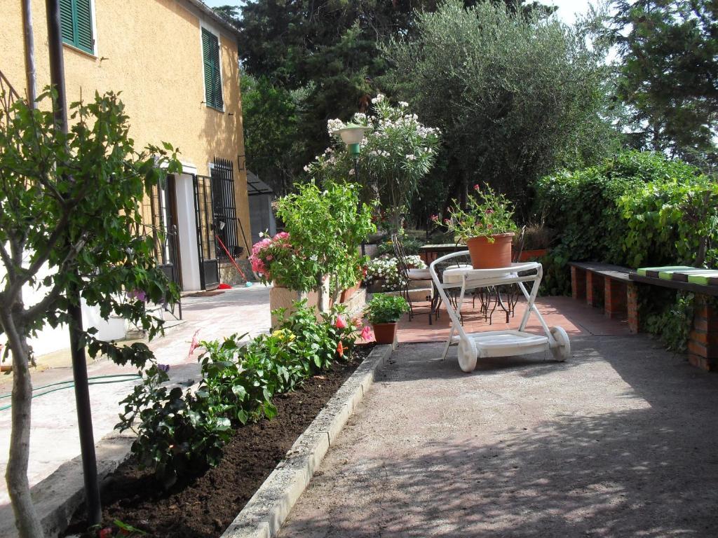 Villa Acacia, Imperia, Italy - Booking.com
