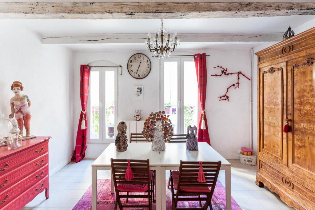 Guesthouse La Maison du Jardin de L\'Ange - Cha, Pézenas, France ...
