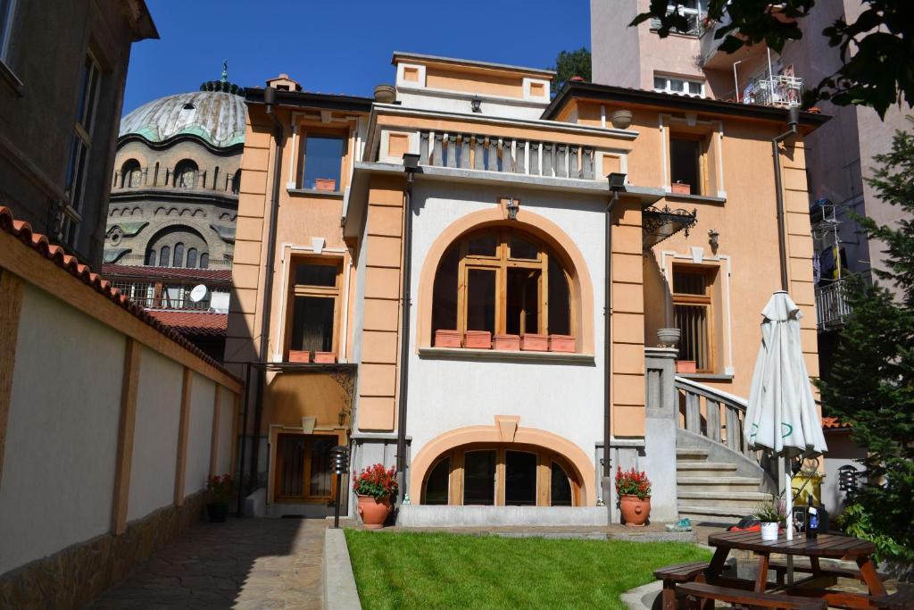 A fachada ou entrada de Apartment Secession Style
