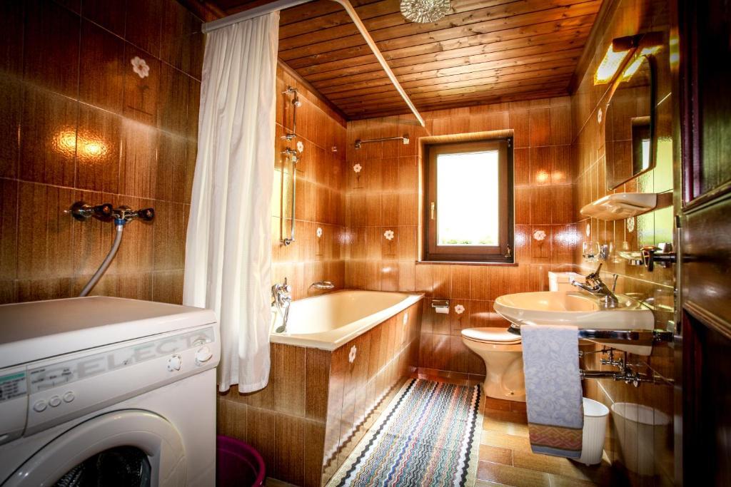 Ferienwohnung Casa Serac´ (Italien Wengen) - Booking.com