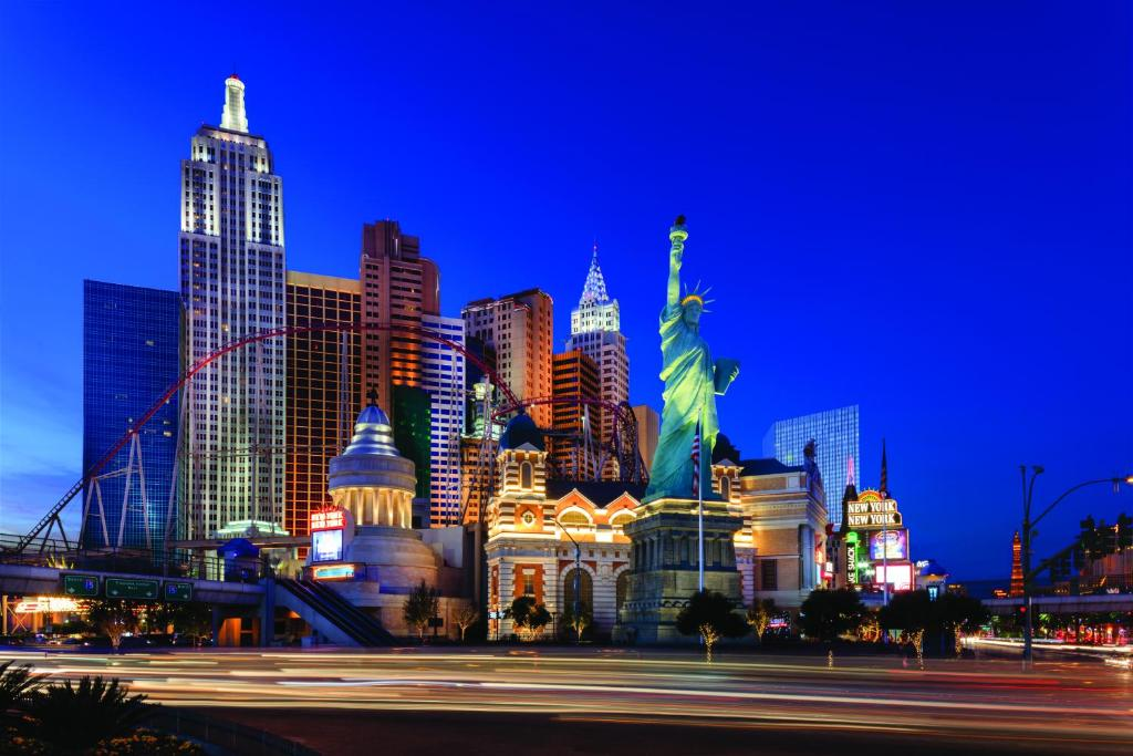 best budget hotels in Las Vegas new york new york