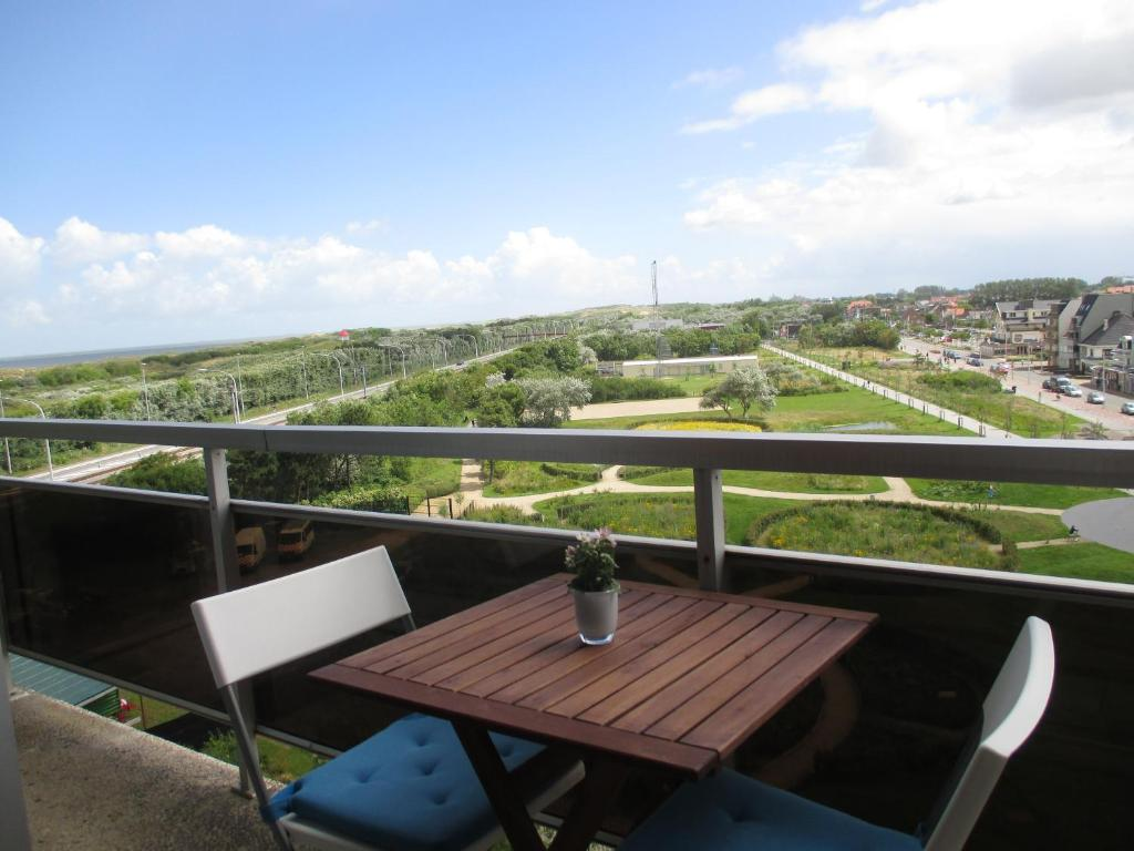 Een balkon of terras bij Studio with View Bredene