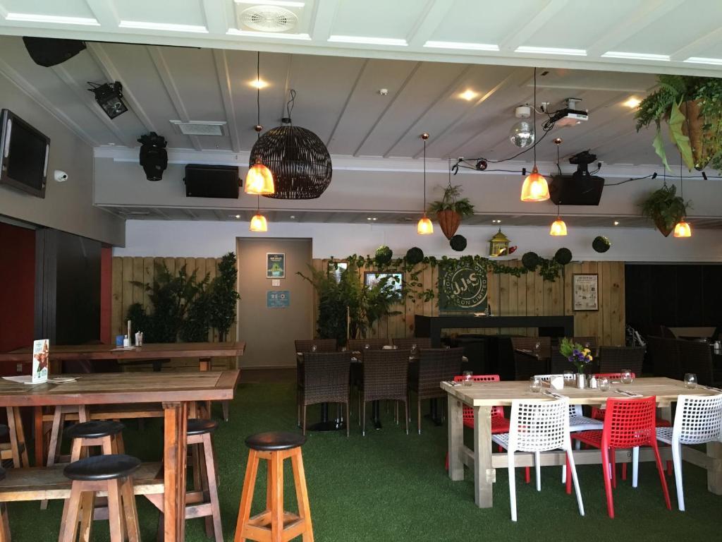 poenamo hotel auckland new zealand booking com