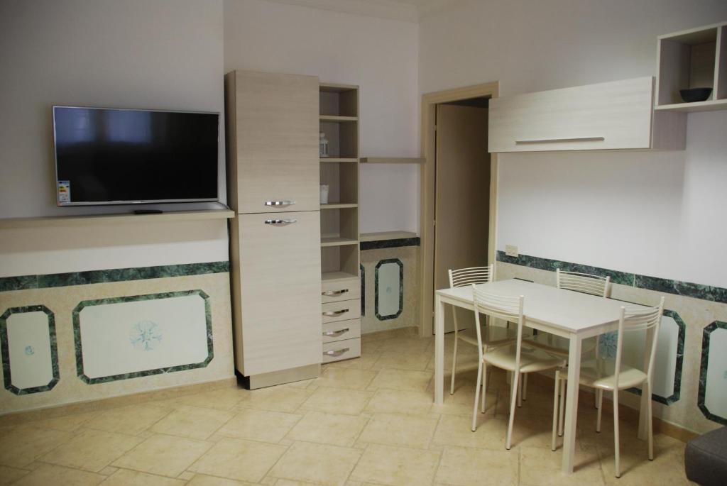 Appartamento con due camere da letto, Roma – Prezzi aggiornati per ...