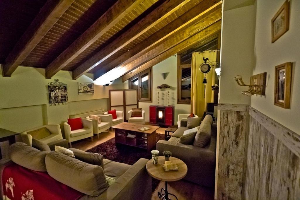 Hotel La Casa Del Rio 3