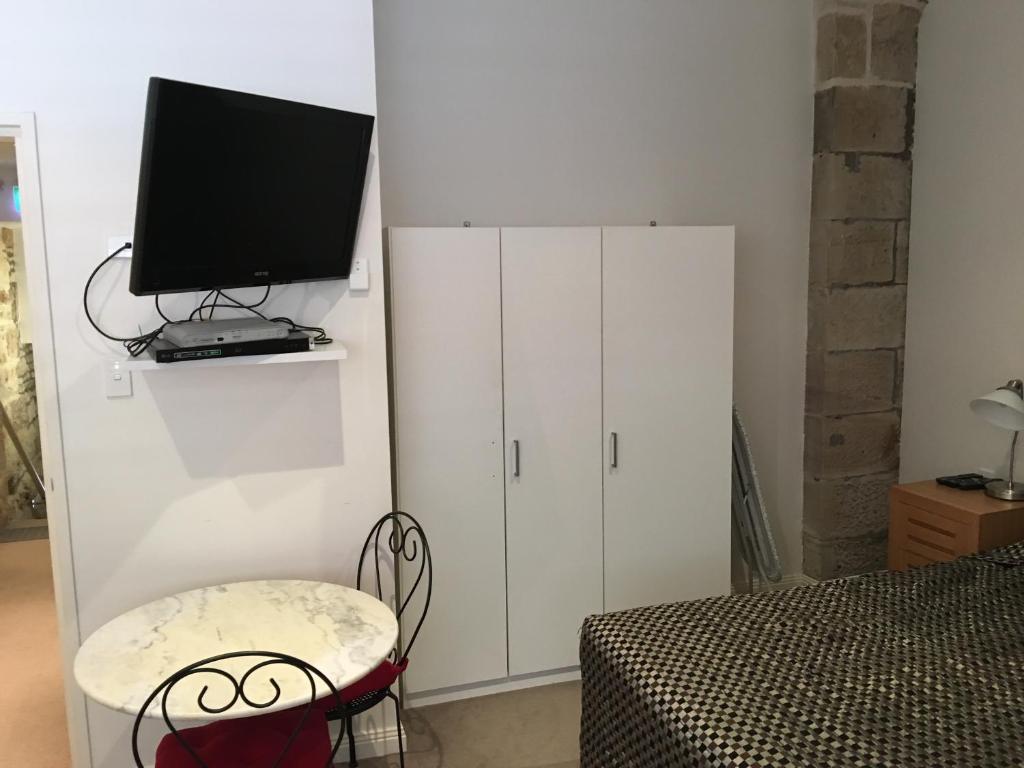 Studio Apartment Australia apartment pyrmont 93s2 pyr, sydney, australia - booking