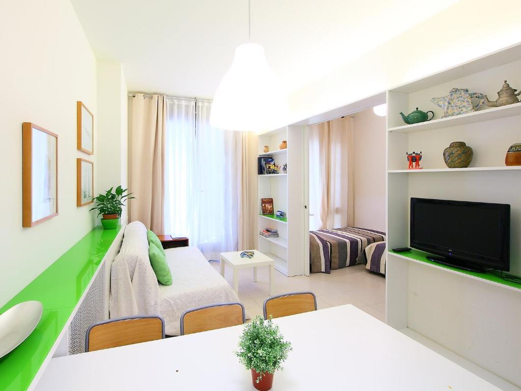 Apartment apt la palla barcelona spain for Barcelona apartment