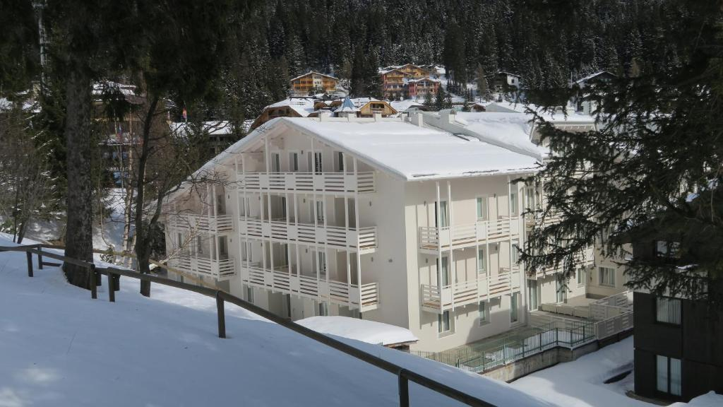 Residence antares madonna di campiglio italy booking