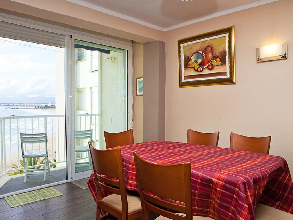 Купить квартиру в салоу испания у моря