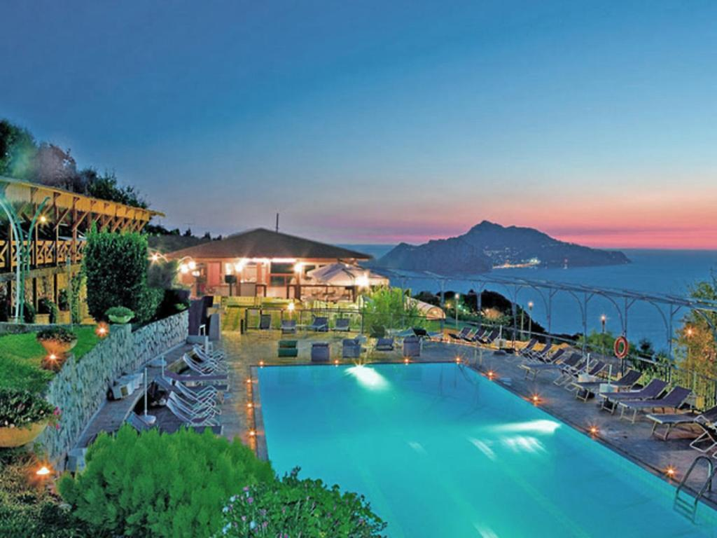 Hotel Naples Booking