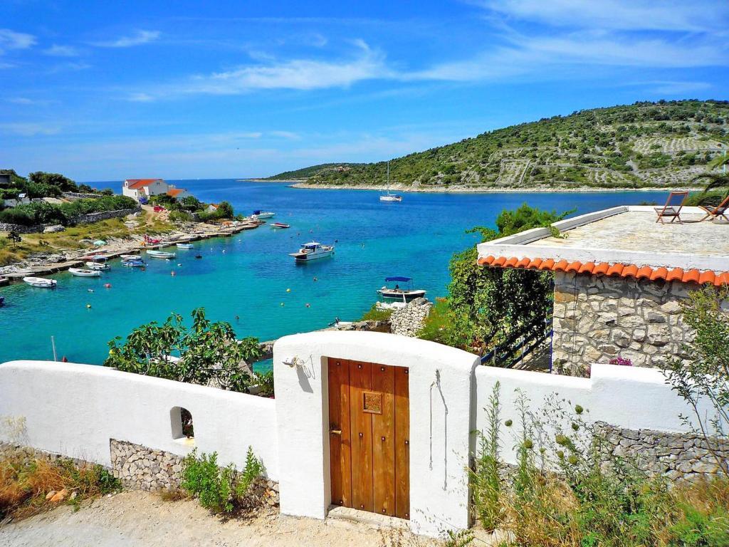 villa sevid croatia. Black Bedroom Furniture Sets. Home Design Ideas