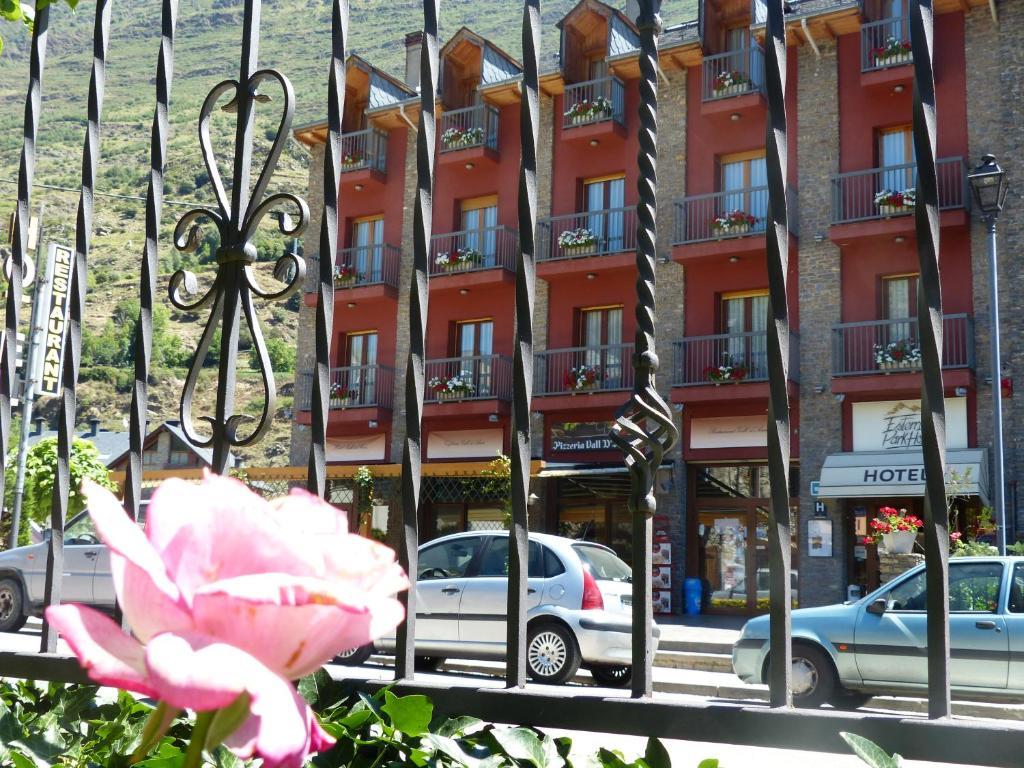 Fachada o entrada de Hotel Vall d´Aneu