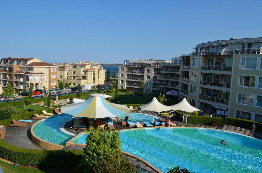 A view of the pool at Sunny Island Chernomorets or nearby