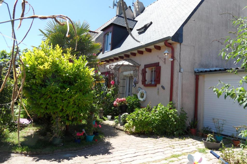 b&b baie du mont saint michel (france hirel) - booking