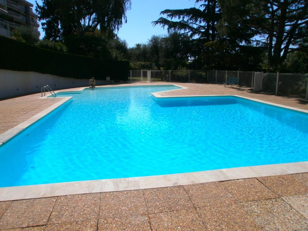 Apartment mirandole piscine nice avec des avis for Piscine nice