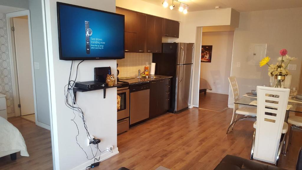 Apartment Lavish Suites Cn Tower View Toronto Canada