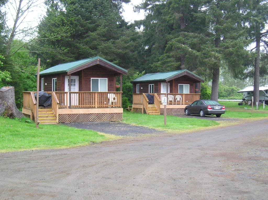 seaside camping resort studio cabin 4 or booking com rh booking com custer cottages seaside oregon seaside oregon honeymoon cottages