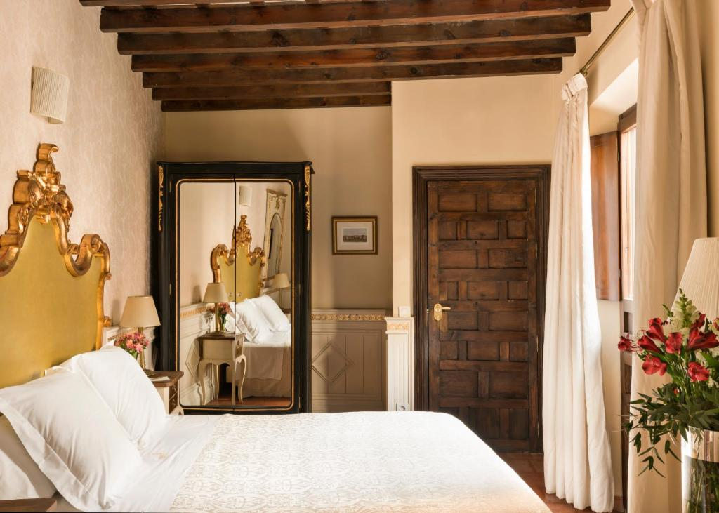 boutique hotels in granada  166