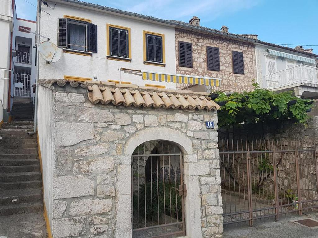 Malik Apartment Kroatien Crikvenica Bookingcom - Fliesen malik