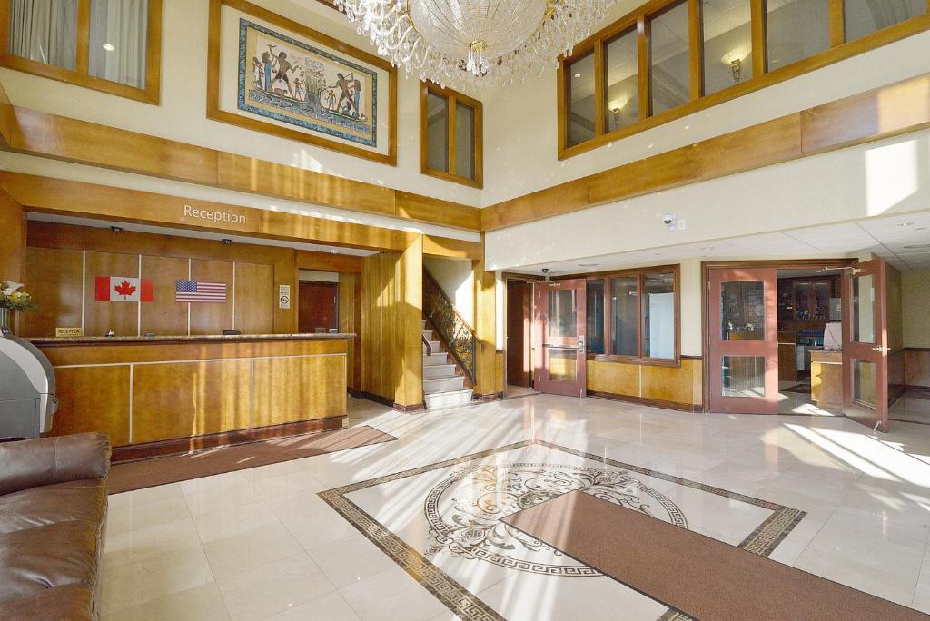 ウッドバイン ホテル & スイーツ(Woodbine Hotel & Suites)