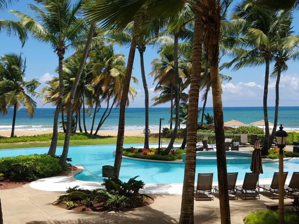 beachfront villa rio mar resort rio grande puerto rico. Black Bedroom Furniture Sets. Home Design Ideas