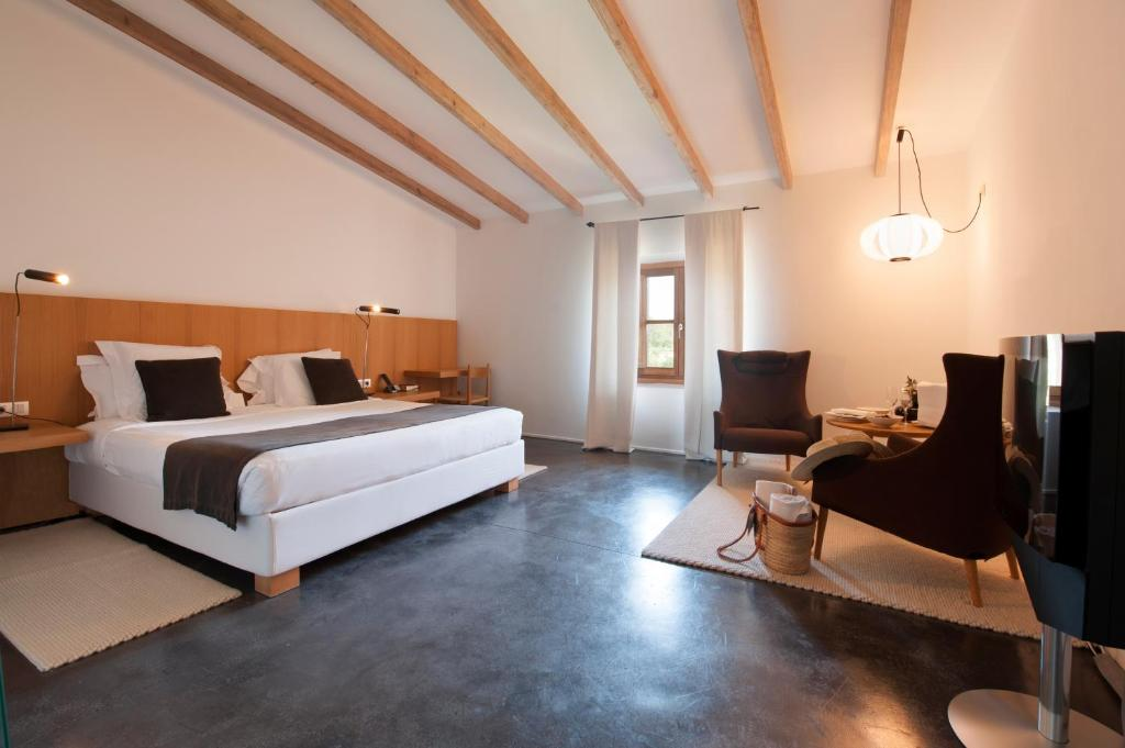 boutique hotels in pollença  8