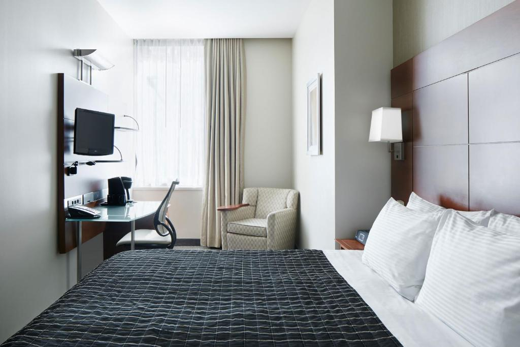 River Hotel (USA Chicago) - Booking.com