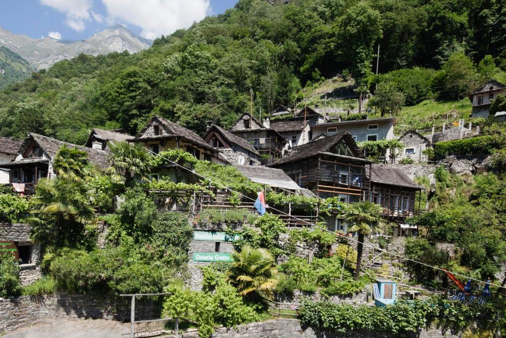 Pension Rustici della Verzasca (Schweiz Vogorno) - Booking.com