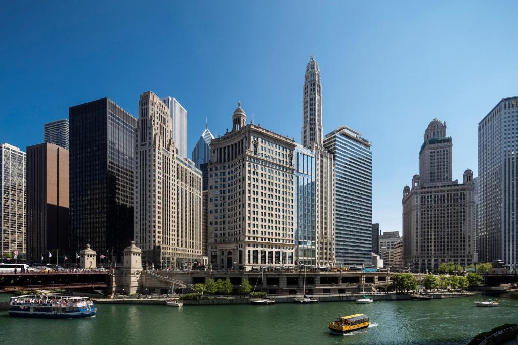 ロンドンハウス シカゴ キュリオ コレクション バイ ヒルトン(LondonHouse Chicago, Curio Collection by Hilton)