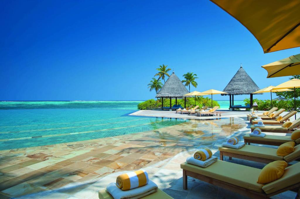 Four Seasons Resort Maldives At Kuda Huraa Reserve Now Gallery Image Of This Property
