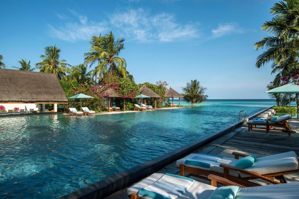 olympic size swimming pool maldives
