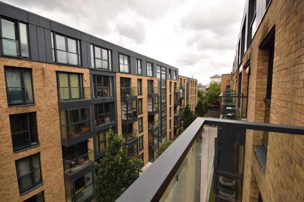 Modern Apartment, Birmingham, UK - Booking.com