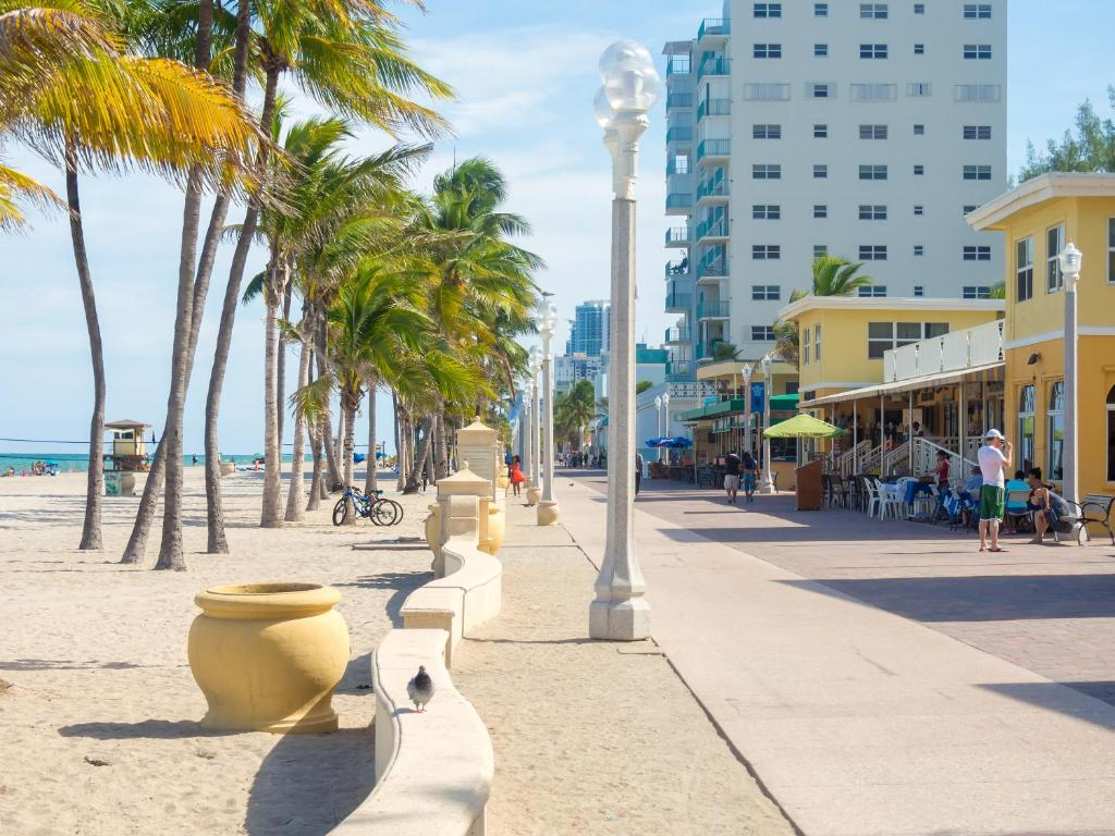 Caribbean Resort By The Ocean Hollywood Fl Booking
