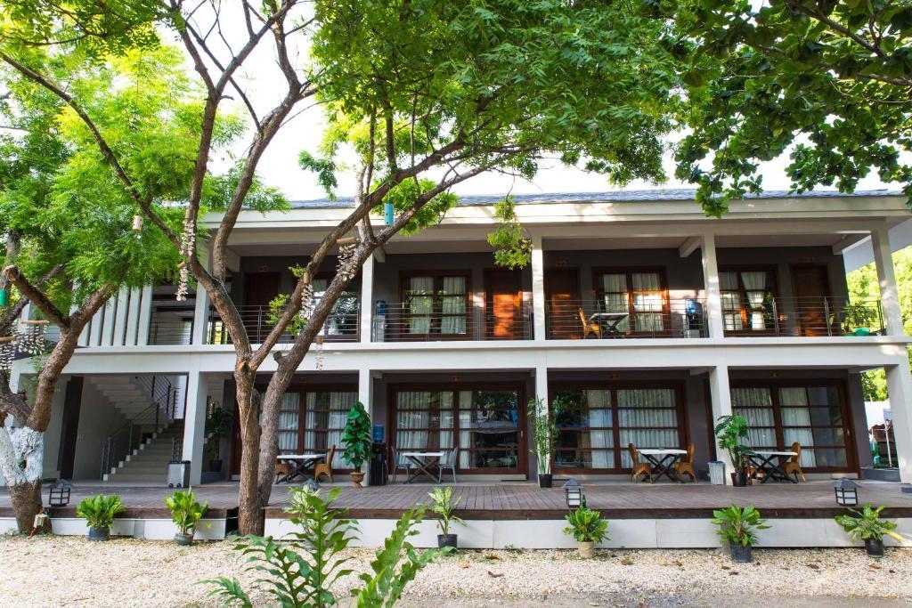 Guesthouse Karancho Beach House Mactan Philippines Bookingcom