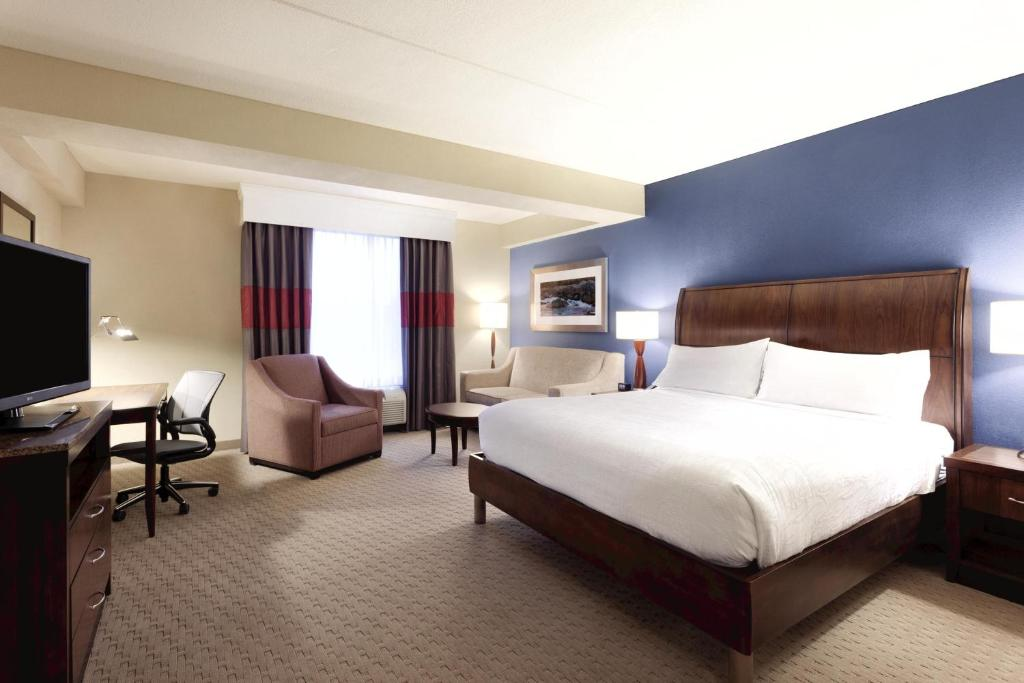 gallery image of this property - Hilton Garden Inn Falls Church