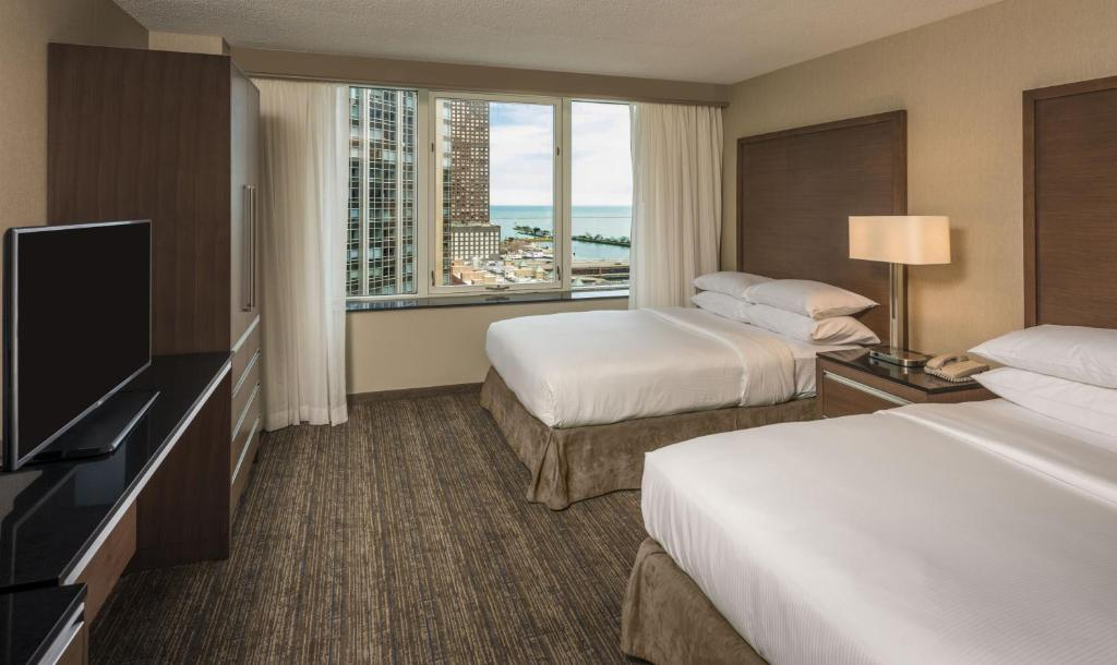 Hotel Embassy Suites Magnificent Mile Chicago Il Booking Com