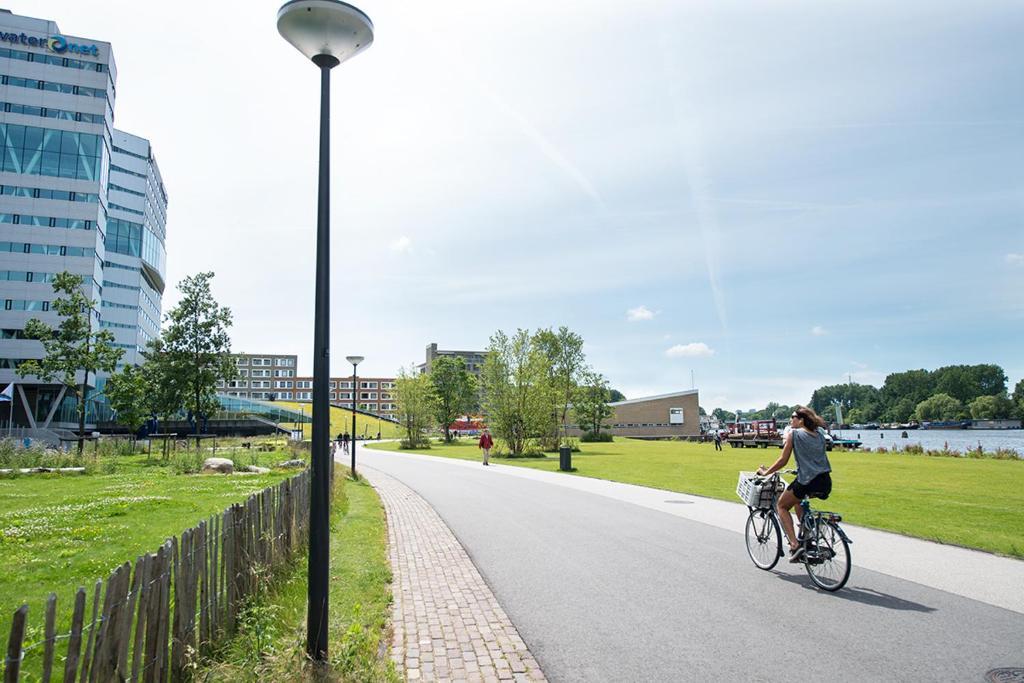 Biking at or in the surroundings of Amstel Villa Studio Garden