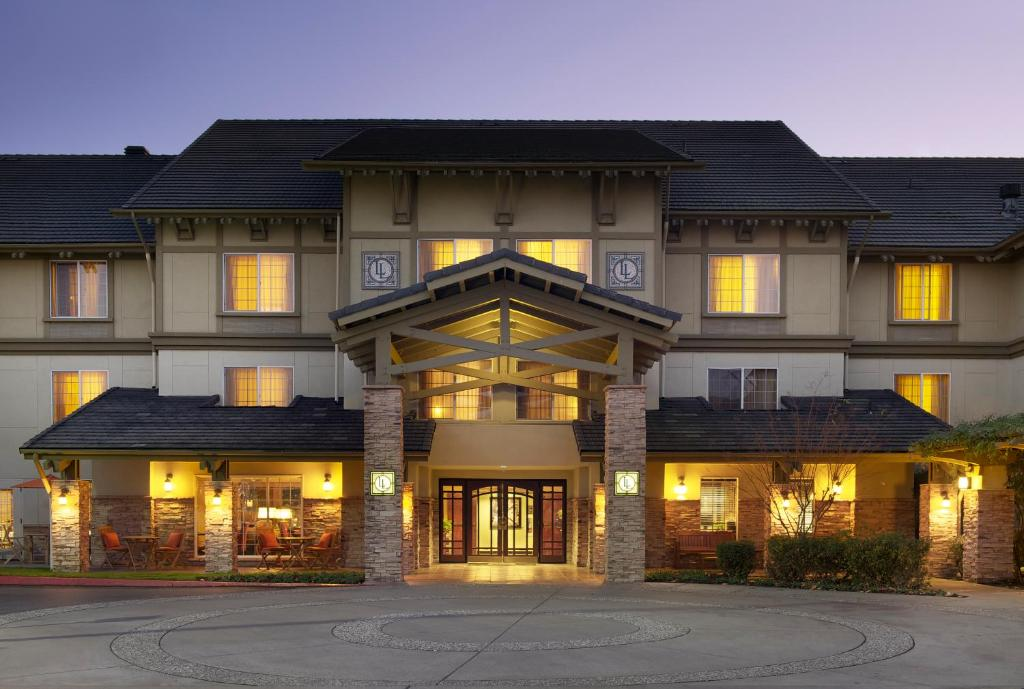 Nearby hotel : Larkspur Landing Renton-An All-Suite Hotel