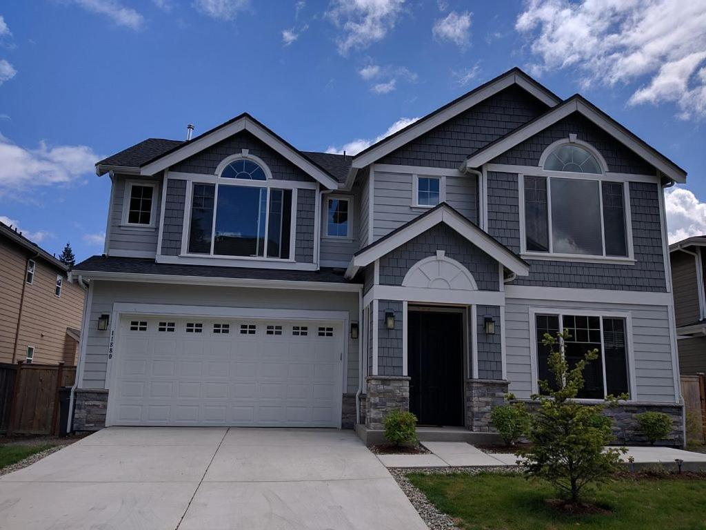 Vacation home beautiful redmond home wa for Beautiful homes in america