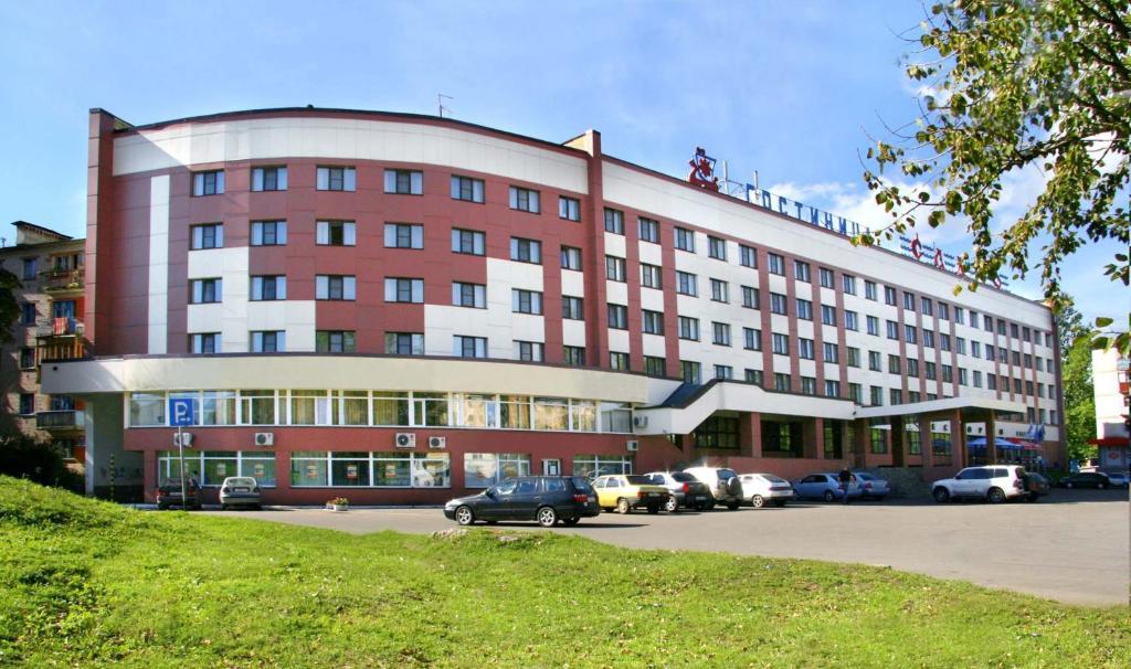 Забронировать отель в новгороде великом билеты на самолет москва барнаул цена