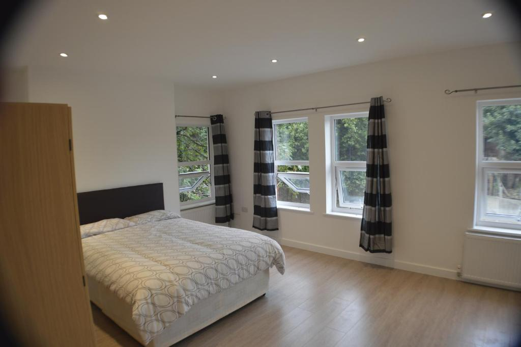 Gallery image of this property. 4 Bedroom Archway apartment  London  UK   Booking com