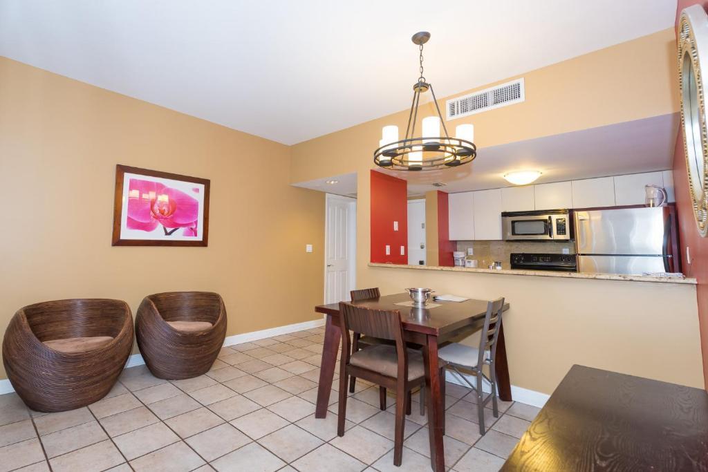 Apartment Two-Bedroom Suites on Ocean, Miami Beach, FL - Booking.com